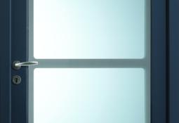 Porte d'entrée bleu en pvc