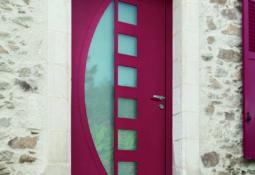 Porte d'entrée rouge en alu