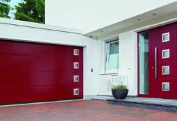 Porte de garage rouge